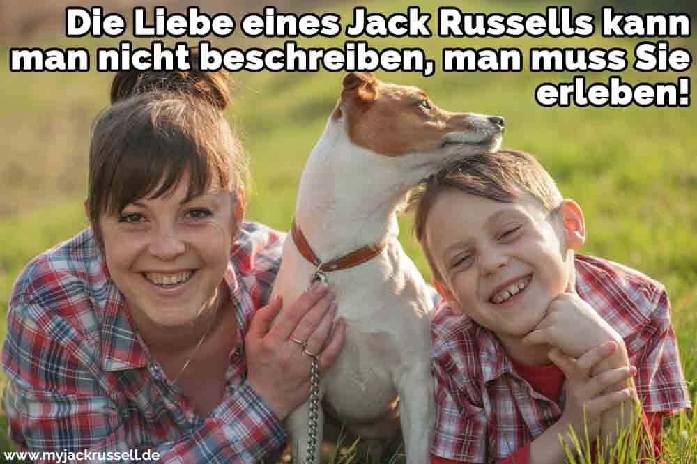Zwei Kinder und ihr Jack Russell